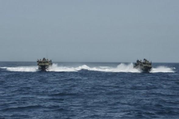 توقيف دو شناور رزمي امريکايي در خليج فارس
