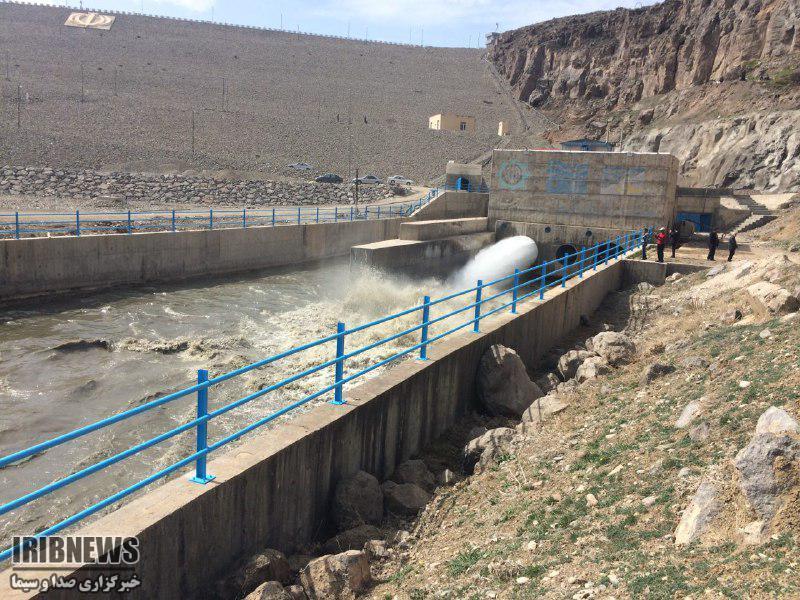 رهاسازی ۱۰ میلیون مترمکعب آب سد زولا به دریاچه ارومیه
