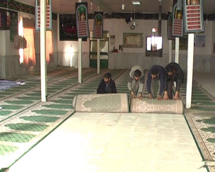اهدای هدیه 200 میلیون ریالی مقام معظم رهبری به مسجد روستای صمان شهرستان فیروزه