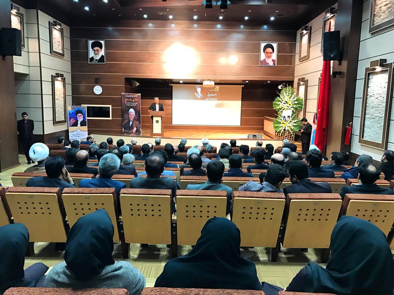 مراسم تودیع و معارفه مدیر عامل شهر جدید گلبهار