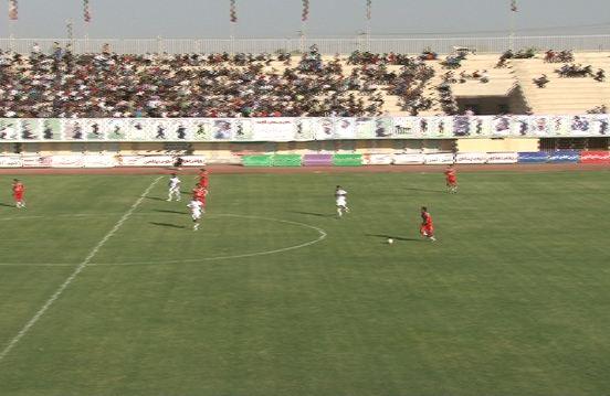 تقابل تیم فوتبال یزد با تیم قعر نشین استقلال اهواز