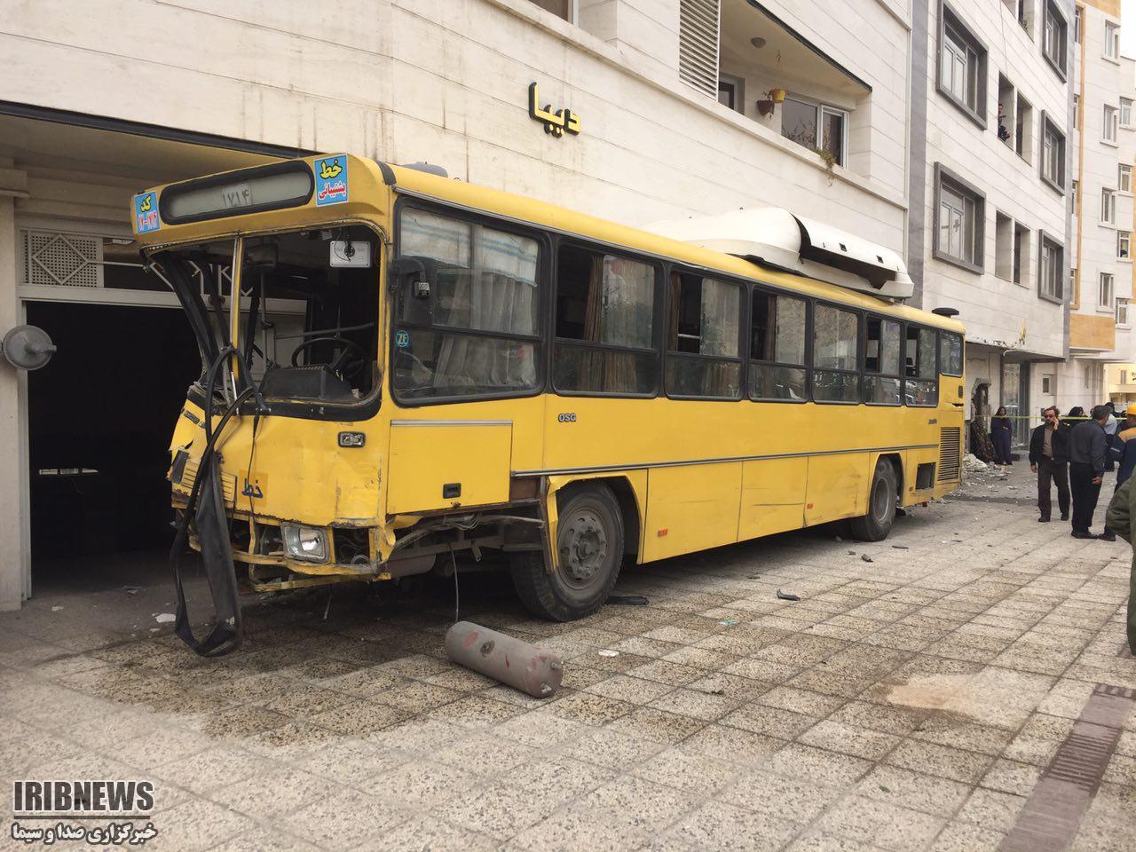تصادف موتور سنگین در شیراز توجه نکردن به جلو، علت حادثه تصادف امروز شیراز