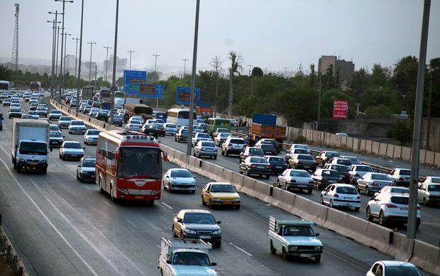 سنگین بودن ترافیک در همه محورهای ورودی و خروجی مشهد