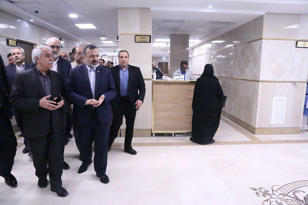 بازدید استاندار خراسان رضوی از طرح توسعه ی بیمارستان قائم (عج) مشهد