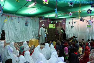 نمایشگاه کبوترانه در حرم رضوی میزبان کودکان در ایام نوروز