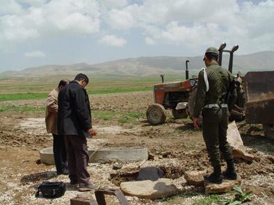 اراضی منابع طبیعی در منطقه احمد آباد دهرم رفع تصرف شد