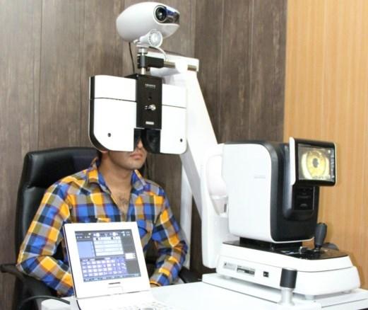 راه اندازی دستگاه تعیین اتوماتیک شماره چشم در درمانگاه پوستچی شیراز