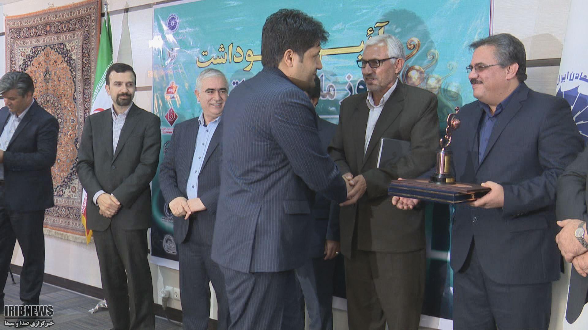 افزایش محسوس صادرات غیر نفتی افزایش 4 درصدی صادرات غیر نفتی از ایران + فیلم
