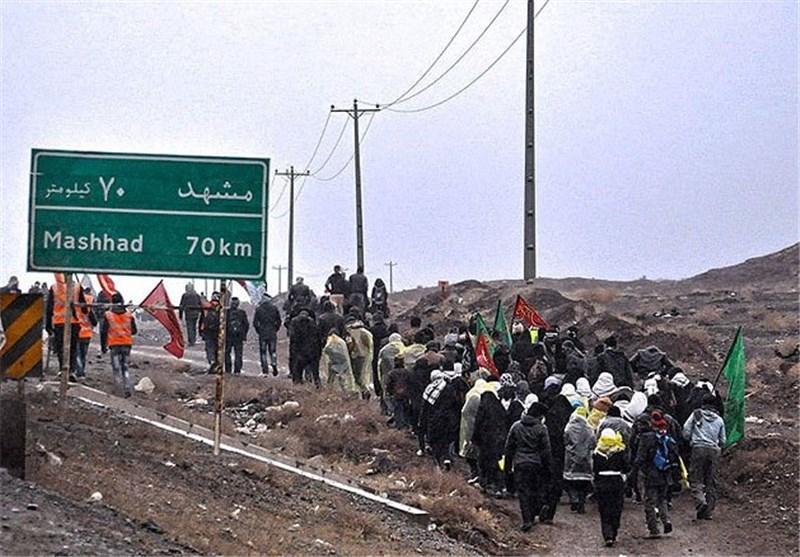 ورود 140 کاروان زائران پیاده حرم مطهر امام رضا(ع) به مشهد