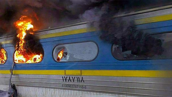 سوختن هفت واگن براثر تصادف امروز 2 قطار