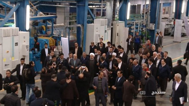 رئیس جمهور کارخانه لاستیک بارز کردستان را افتتاح کرد