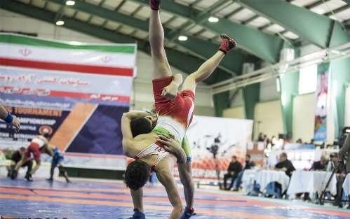 بسته خبرهای ورزشی 23 دی درخشش کشتیگیران نوجوان استان