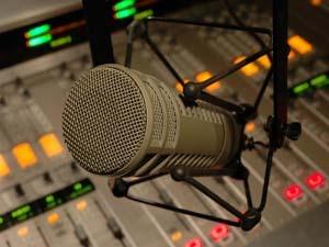 شنونده رادیو فارس باشید
