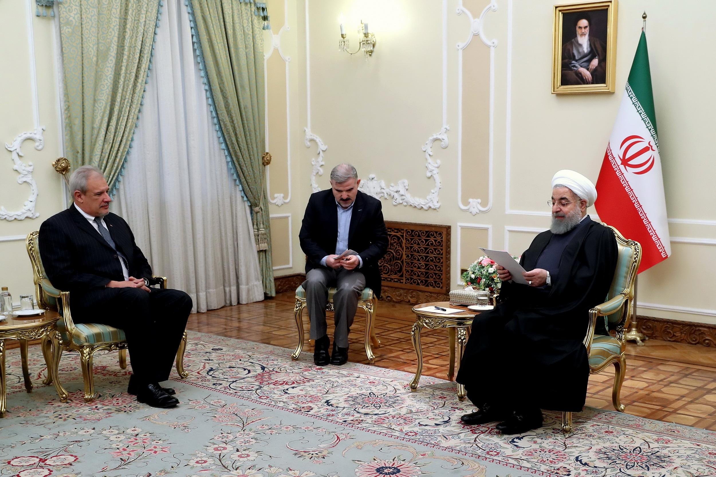 رئيس جمهور: اراده تهران گسترش روابط با هاواناست/ ايران با تحريم به عنوان ابراز ناصحيح و کهنه مخالف است