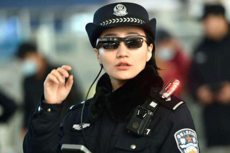 عینک مجرم یاب در چین