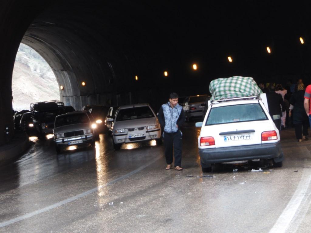 تصادف سنگین خودروی فراری در تهران (فیلم)