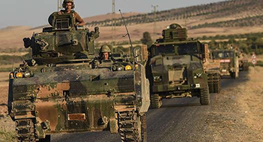 پیشروی خودروهای نظامی ترکیه در حومه عفرین