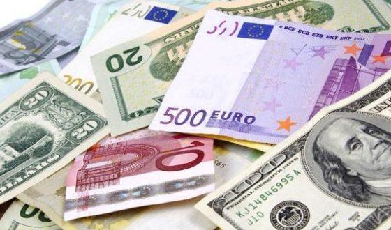 اعلام نرخ خريد و فروش ارز جز از طريق صرافي هاي مجاز، ممنوع است
