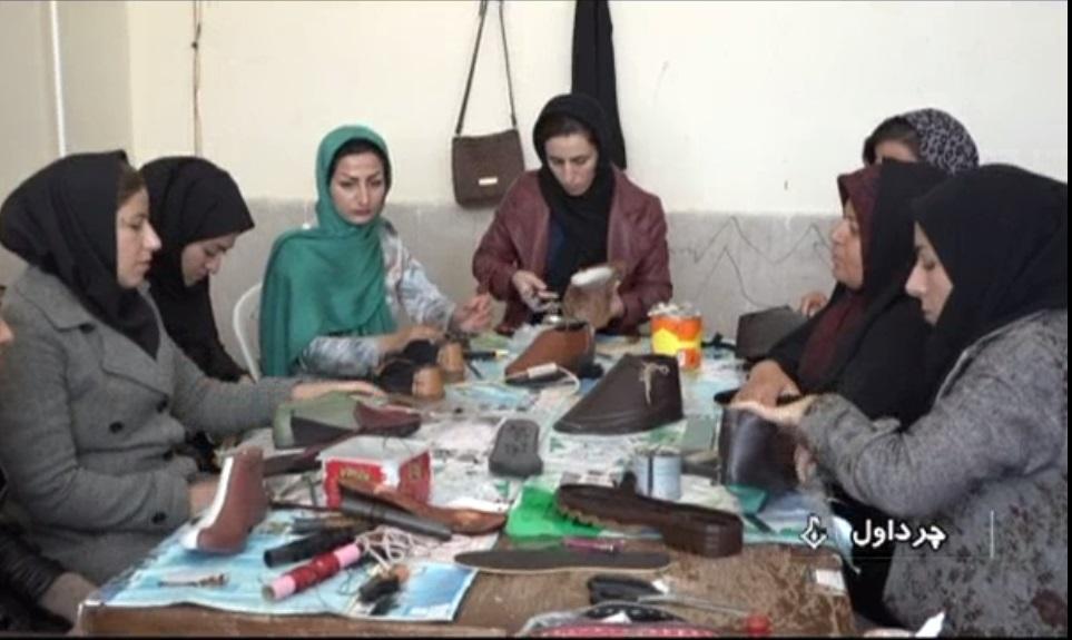 ترویج حرفه آموزی در بین مددجویان کمیته امداد امام خمینی شهرستان چرداول