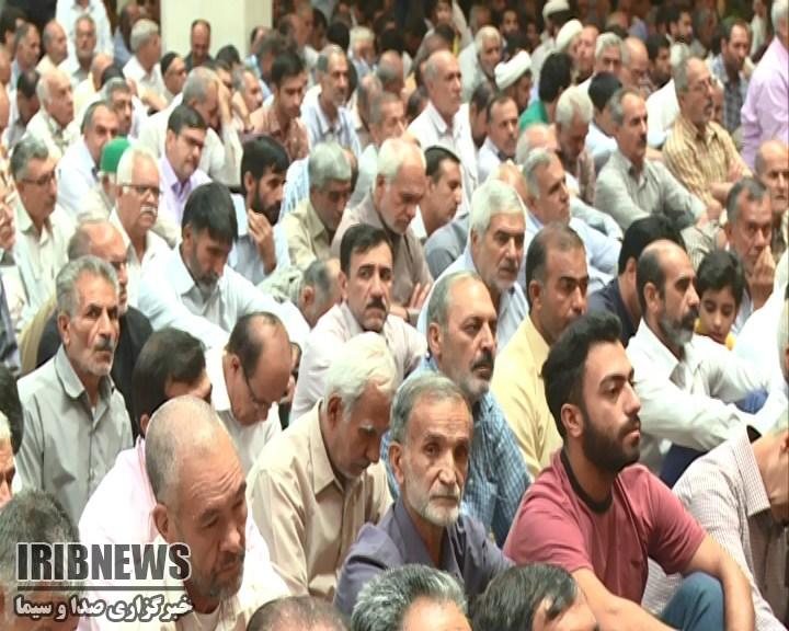 امام جمعه شیراز ؛مردمی بودن از خصوصیات بارز امام خمینی