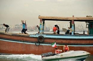 توقیف لنج صیادی سعودی که وارد آبهای بوشهر شده بود