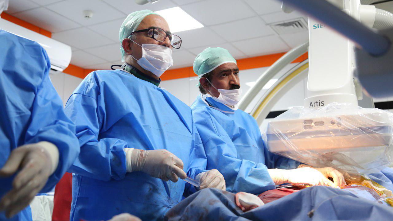 انجام عمل تاوی با استفاده از بالن در بیمارستان رضوی مشهد