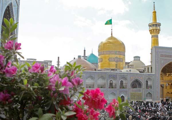 تشرف 2 هزار نفر از مردم شیعه و سنی تایباد به حرم مطهر رضوی
