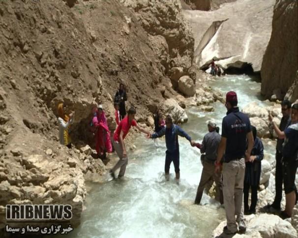 غار یخی چما؛ گردشگری زمستانی در چله تابستان + فیلم