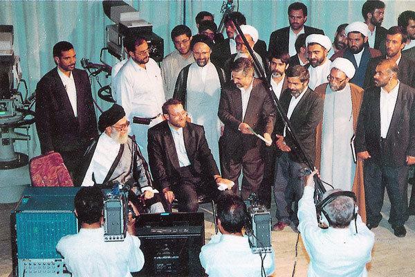 در حال تکمیل ///یادی از بازدید یکروزه رهبر انقلاب از صداوسیما در سال ۷۵