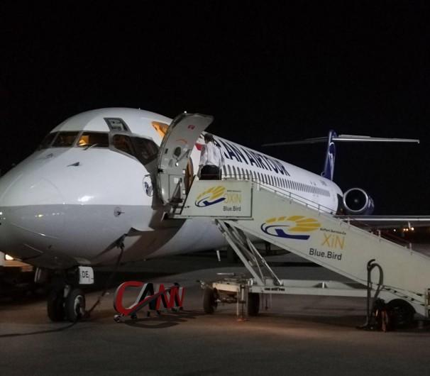 هواپیمای دچار نقص فنی در فرودگاه اهواز به سلامت فرود آمد
