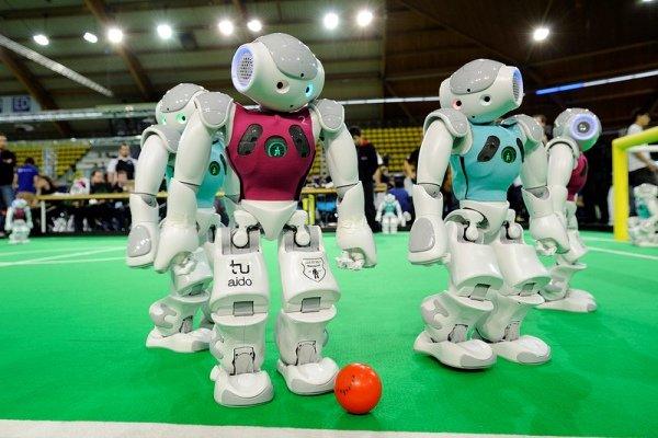 اعلام رتبههای اوّل و سوم مسابقات رباتیک آزاد کشور در مشهد