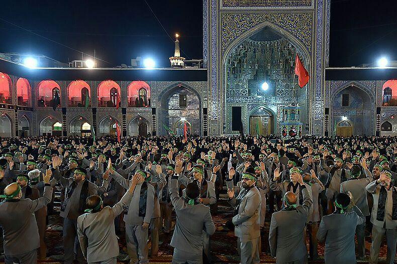 مشهد الرضا سیاه پوش و عزادار سالروز شهادت امام محمد باقر (ع)