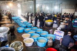 توزیع روزانه 20 هزار پرس غذا در موکب«عتبه رضویه» کربلا