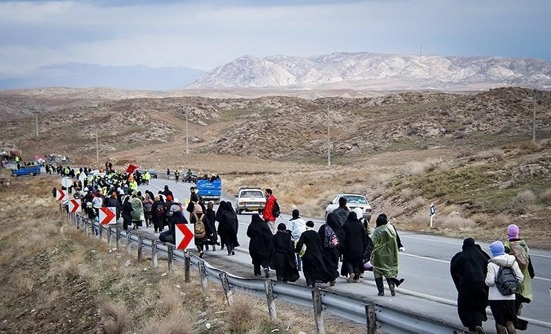 22 کاروان زائر پیاده تایباد و باخرز در راه مشهد
