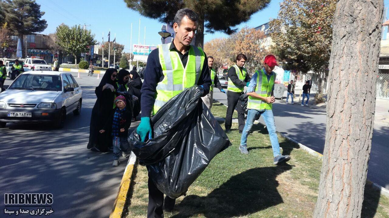 پاکسازی مسیر پیاده روی دسته های عزاداری در چناران + تصاویر