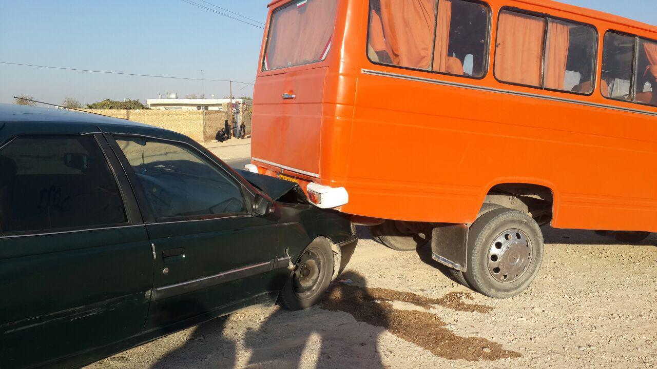تصادف موتور سنگین در شیراز تصادف سرویس مدارس در ششده و قره بلاغ