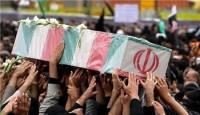 تشییع پیکر پدر شهیدان اکبری در شیراز