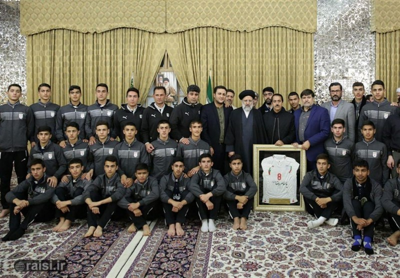 دیدار ملی پوشان فوتبال ایران با تولیت آستان قدس رضوی