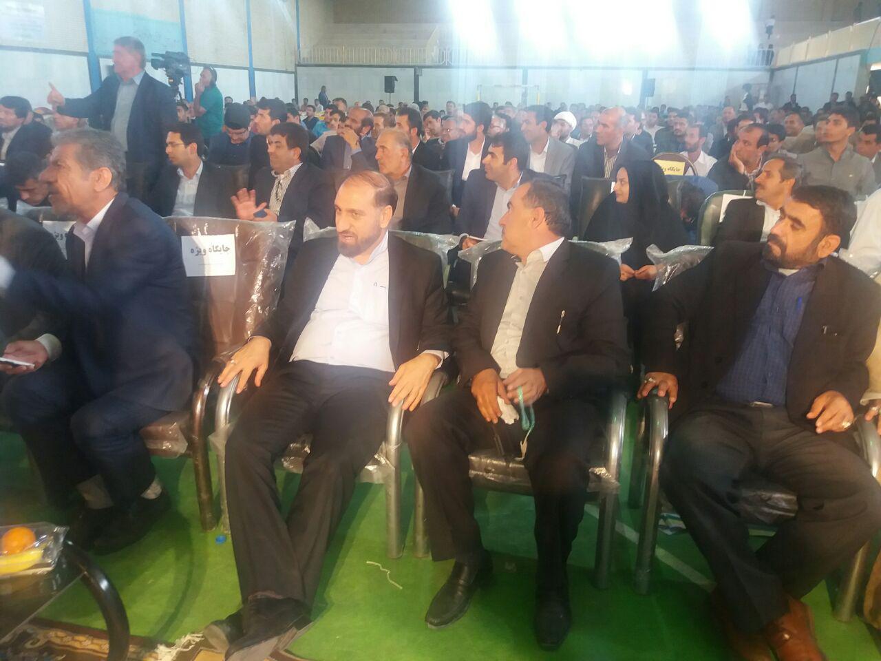 با حضور مسئولان کشوری و استانی برگزار شد؛ همایش توسعه و عمران شهرستان بهمئی