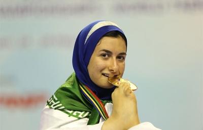 طلاي پاراتكواندوي مسابقات جهاني بر گردن دانشجوي شيرازي