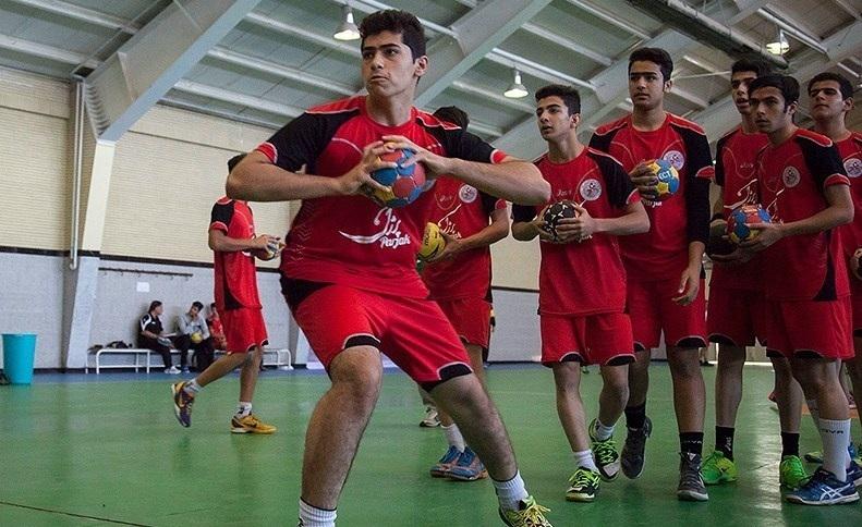 اردوی تیم ملی هندبال نوجوانان نوجوانان ملی پوشش، مسافر شهر بادگیرها