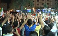 شادی مردم پس از پیروزی تیم ملی فوتبال ایران مقابل مراکش