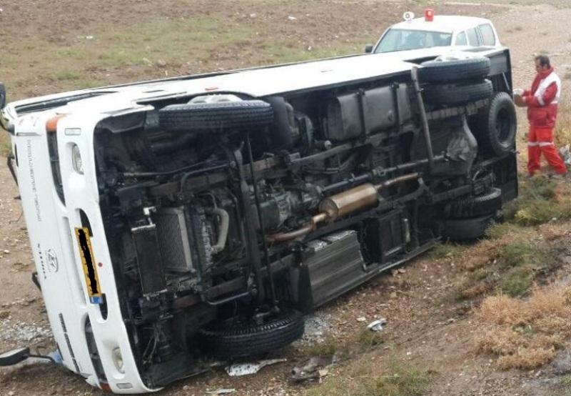 واژگونی مینی بوس در جاده درگز -کلات با 6 مصدوم