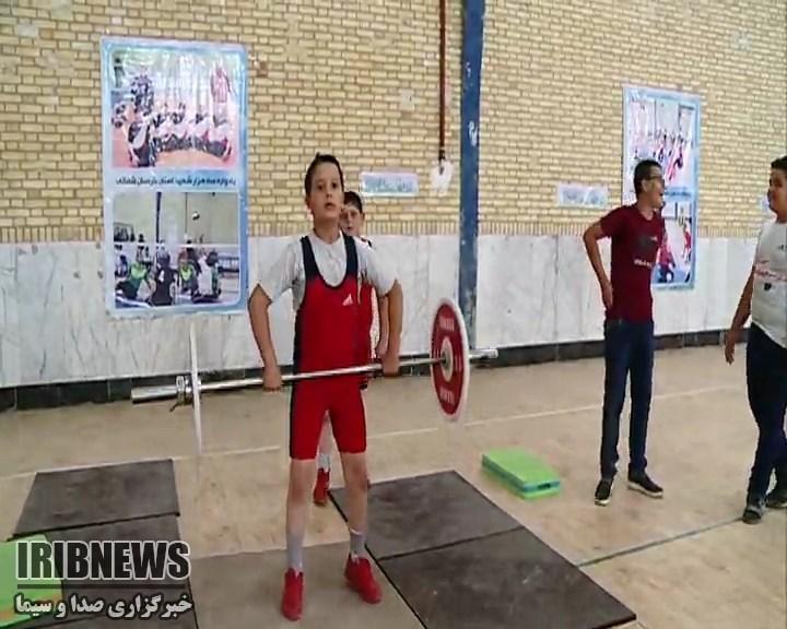 با حضور رئیس فدراسیون وزنهبرداری اردوی استعدادیابی وزنهبرداری منطقه یک کشور در بجنورد