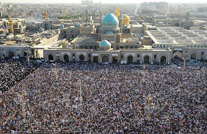 برگزاری نماز عید قربان به امامت آیت الله علم الهدی در حرم رضوی