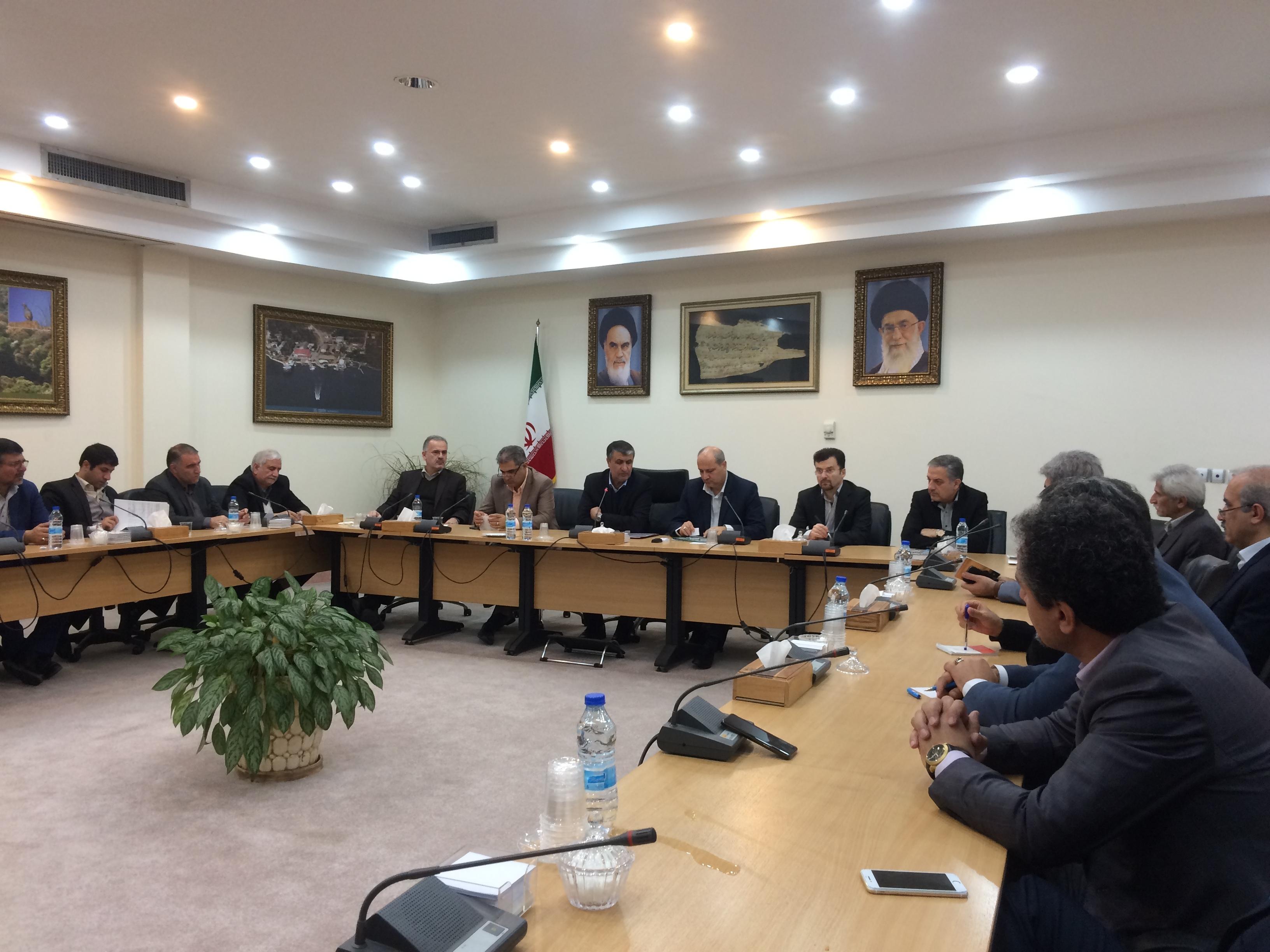 اجرای برقی کردن راه آهن اینچه برون ـ تهران بزودی با همکاری روس ها