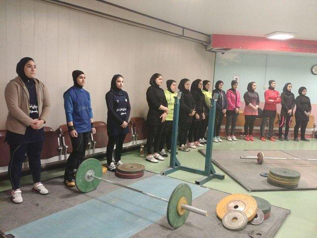 اعزام بانوی وزنهبردار خراسان رضوی به مسابقات قهرمانی آسیا
