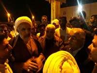 بازدید شبانه امام جمعه و مسئولان آبادان از اردوگاه سیل زدگان