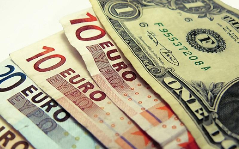 کاهش نرخ رسمی ۲۵ ارز کاهش