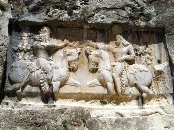 تنگ چوگان گنجینهای بینظیر از حجاریهای دوره ساسانیان